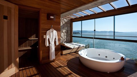 Wood, Hardwood, Room, Property, Floor, Bathtub, Interior design, Flooring, Real estate, Wood stain,
