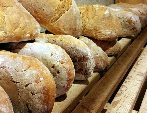 Bread, Food, Ingredient, Baked goods, Bakery, Loaf, Gluten, Staple food, Snack, Bread roll,