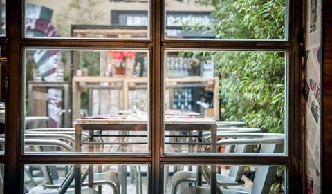 Glass, Fixture, Restaurant, Transparent material, Iron, Daylighting, Building material, Cafeteria,