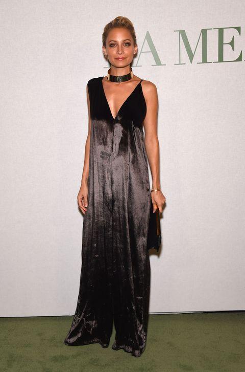 Clothing, Dress, Shoulder, Joint, Style, Formal wear, Jewellery, Fashion model, One-piece garment, Fashion,
