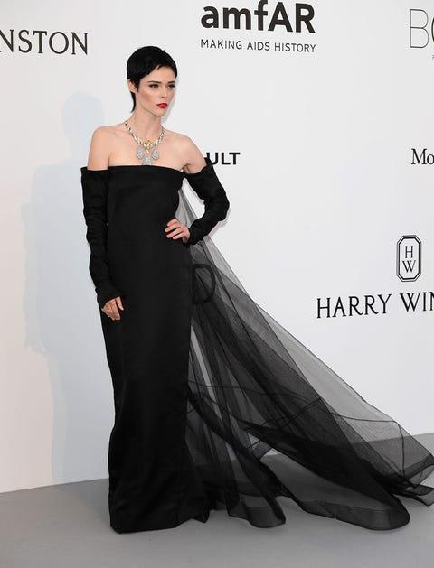 Fashion model, Dress, Clothing, Shoulder, Gown, Black, Strapless dress, Fashion, Bridal party dress, Haute couture,