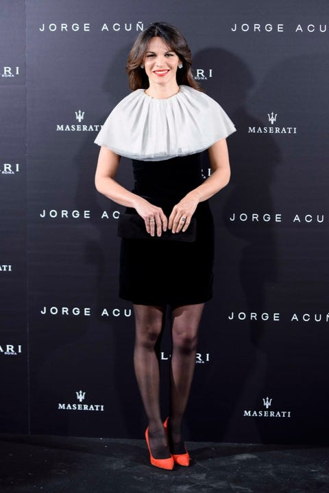 Sleeve, Shoulder, Dress, Joint, Style, Eyelash, Formal wear, Fashion model, Cocktail dress, Waist,