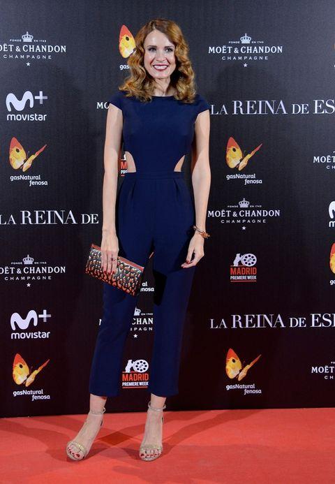 La Reina De España Estreno Con Atasco De Estrellas