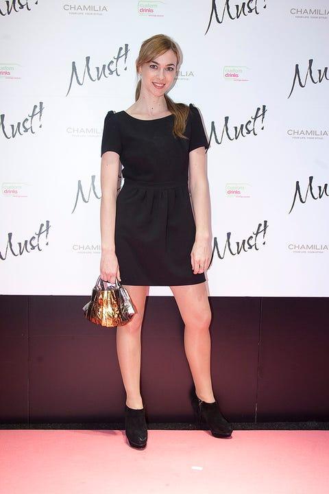Dress, Shoulder, Joint, Style, Flooring, Premiere, Cocktail dress, Fashion accessory, Fashion, One-piece garment,