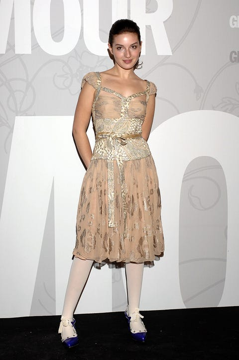 Dress, Shoulder, Joint, Style, One-piece garment, Fashion model, Waist, Fashion, Youth, Day dress,