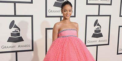 Dress, Shoulder, Red, One-piece garment, Style, Pink, Flooring, Strapless dress, Formal wear, Gown,