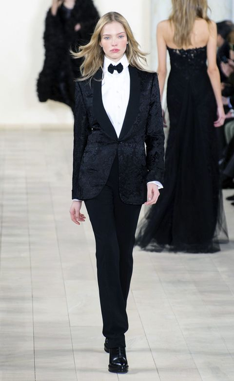 Clothing, Collar, Shoulder, Joint, Coat, Outerwear, Formal wear, Dress, Fashion show, Fashion model,