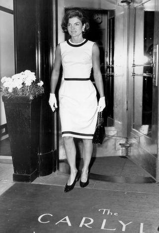 4a285c39f Es la primera vez que Kate Middleton lleva un diseño de Gucci y parece que  la elección de este minivestido ha sido todo un éxito.