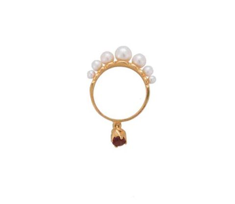 Jewellery, Body jewelry, Fashion accessory, Ring, Pearl, Gemstone, Engagement ring, Metal, Circle,