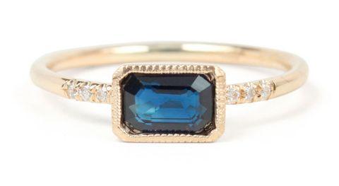 Ring, Fashion accessory, Blue, Jewellery, Aqua, Engagement ring, Gemstone, Turquoise, Yellow, Body jewelry,