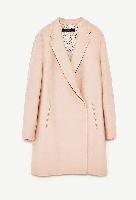 8352e8fae 15 abrigos de Zara para comprar en rebajas y lucir en otoño