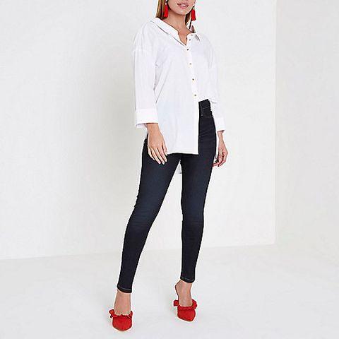 c13d1321123b Otra de las grandes firmas de la industria textil es River Island y, sí,  también ofrece diseños para mujeres petite. Pantalones, vaqueros, vestidos,  tops, ...