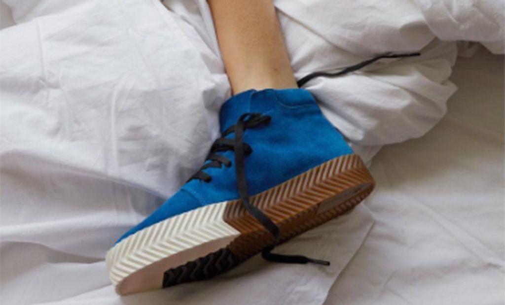 Arado Creo que popurrí  Alexander Wang, Adidas y sus zapatillas de colores