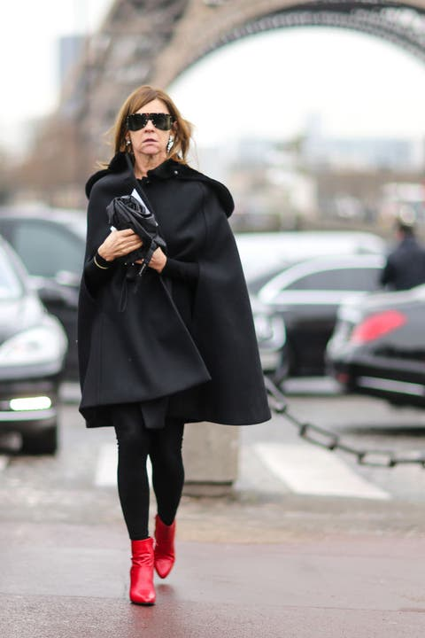Clothing, Street fashion, Coat, Fashion, Outerwear, Footwear, Snapshot, Overcoat, Tights, Pink,
