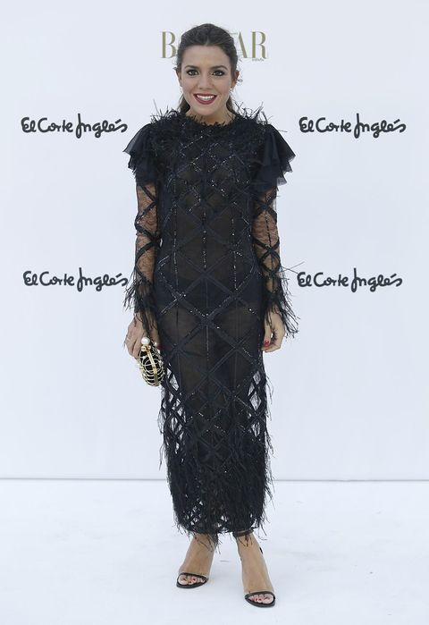 Sleeve, Shoulder, Fashion show, Dress, Style, Fashion model, Fashion, Street fashion, One-piece garment, Waist,