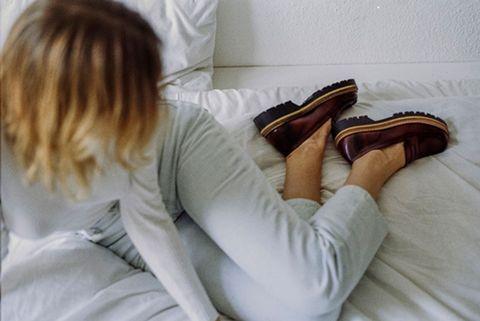 Human, Comfort, Textile, Linens, Tan, Beige, Walking shoe, Foot, Blanket, Bedding,