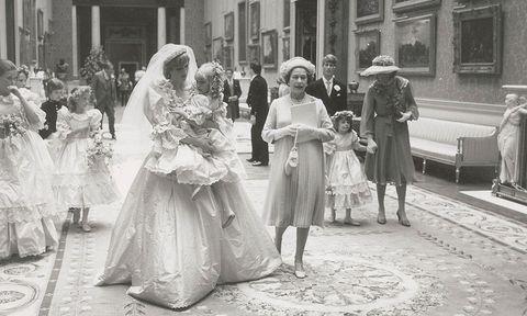 Dress, Photograph, White, Style, Monochrome, Hat, Gown, Bridal clothing, Wedding dress, Monochrome photography,