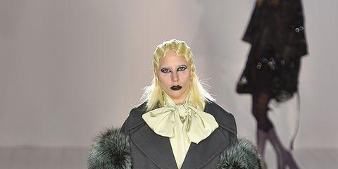 Textile, Outerwear, Coat, Fur clothing, Costume design, Winter, Overcoat, Street fashion, Fashion, Fashion model,
