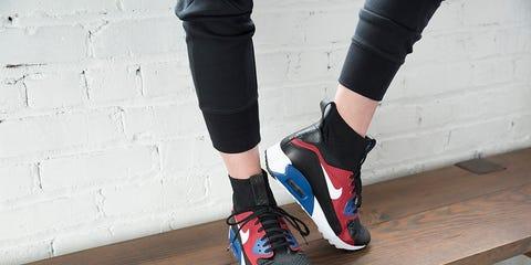 Footwear, Human leg, Athletic shoe, Sock, Carmine, Grey, Knee, Hardwood, Calf, Walking shoe,