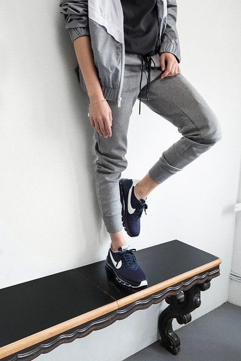 Clothing, Leg, Trousers, Human leg, Denim, Textile, Shoe, Joint, Jeans, White,