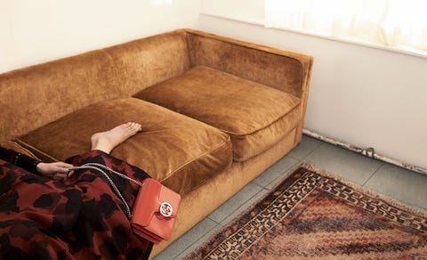 Brown, Room, Interior design, Floor, Couch, Flooring, Comfort, Living room, Beige, Tan,