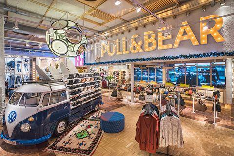 dab347cd3f6ef4 Pull   Bear abre en Madrid su tienda más grande del mundo