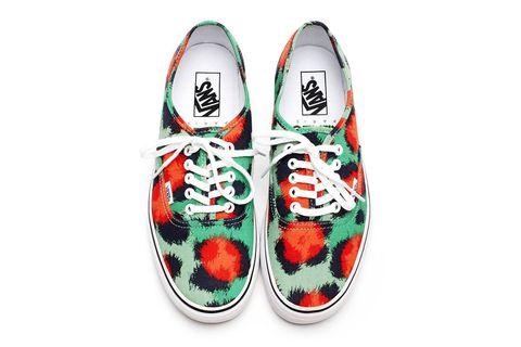 Shoe, Carmine, Athletic shoe, Walking shoe, Sneakers, Skate shoe, Fruit,