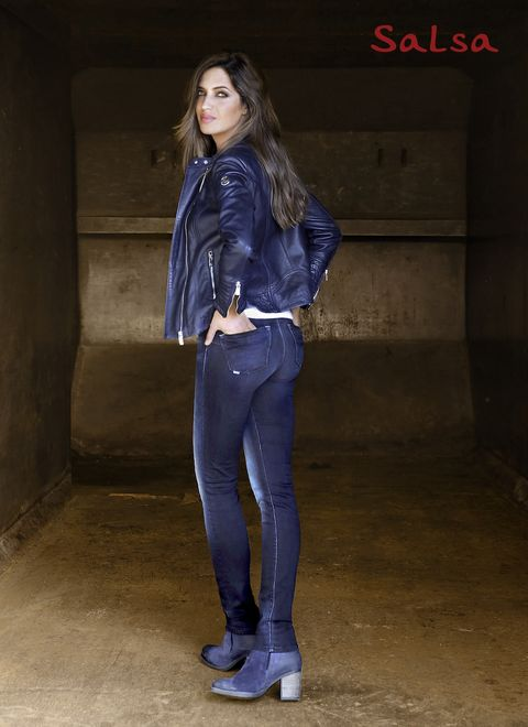 Jeans, Clothing, Denim, Blue, Cobalt blue, Electric blue, Beauty, Fashion, Jacket, Standing,
