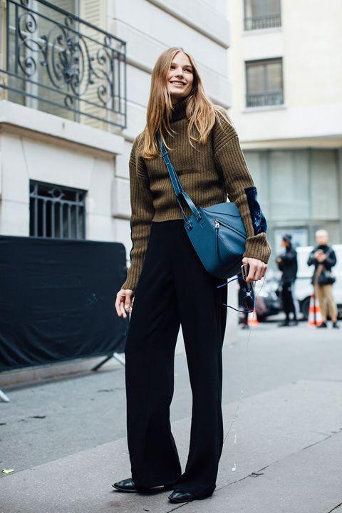 Street fashion, Clothing, Fashion, Photograph, Snapshot, Jeans, Footwear, Shoulder, Electric blue, Leg,