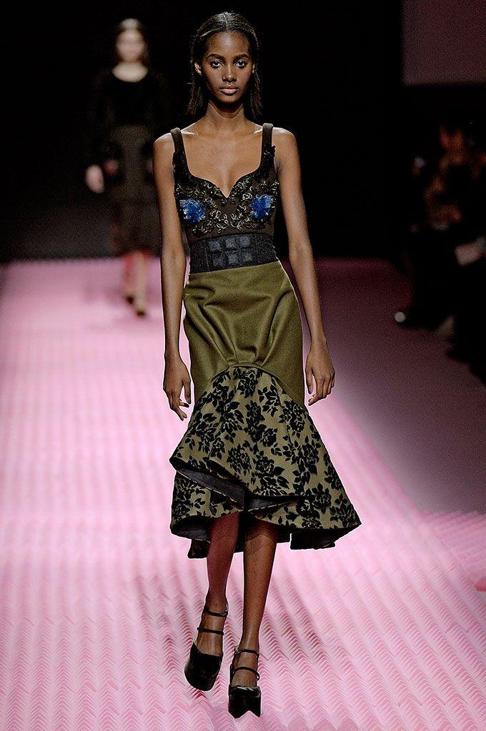 Hermosa Vestidos De Novia Londres Ideas Ornamento Elaboración ...