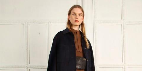 Clothing, Outerwear, Fashion, Brown, Street fashion, Coat, Overcoat, Neck, Leather, Fashion design,