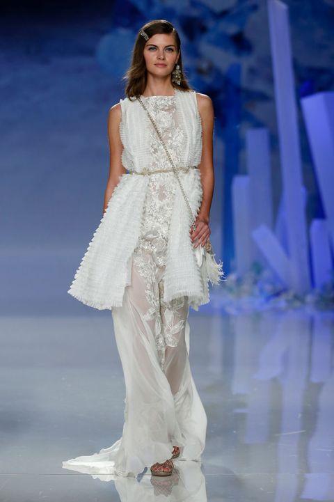 Fashion model, Fashion show, Fashion, Runway, Clothing, Shoulder, Dress, Haute couture, Fashion design, Event,
