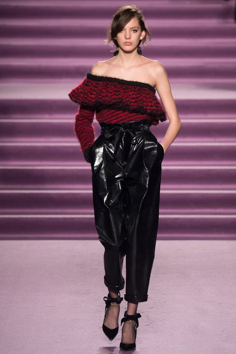 Human, Shoulder, Joint, Waist, Fashion model, Style, Lipstick, Magenta, Fashion show, Purple,