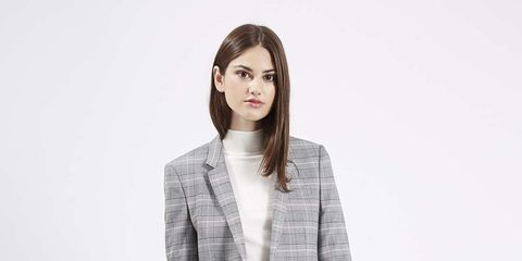 Clothing, Collar, Sleeve, Shoulder, Textile, Joint, Outerwear, Style, Blazer, Knee,