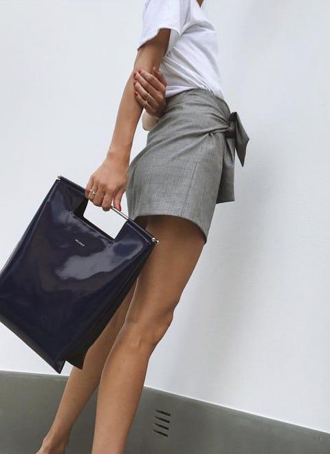White, Human leg, Leg, Clothing, Fashion, Shoulder, Joint, Knee, Footwear, Human body,
