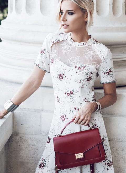 Sleeve, Shoulder, Dress, Joint, White, Bag, Red, Fashion accessory, Style, Beauty,