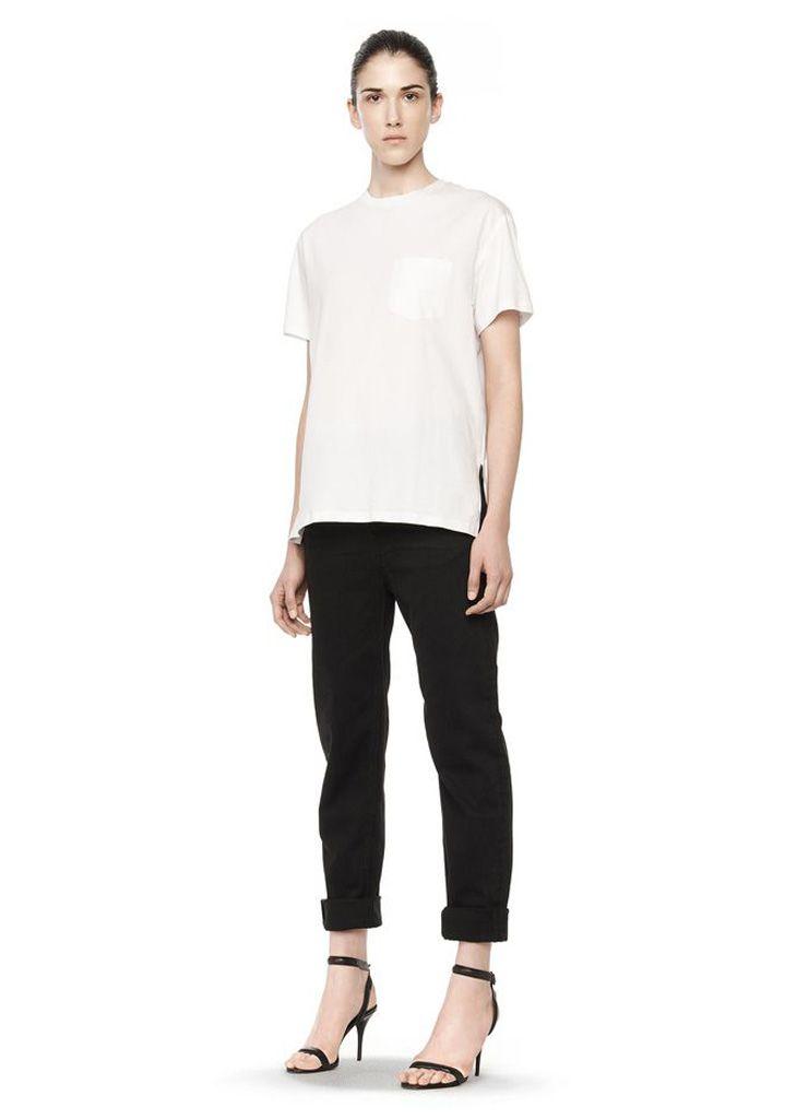 Guía definitiva para encontrar la camiseta blanca perfecta