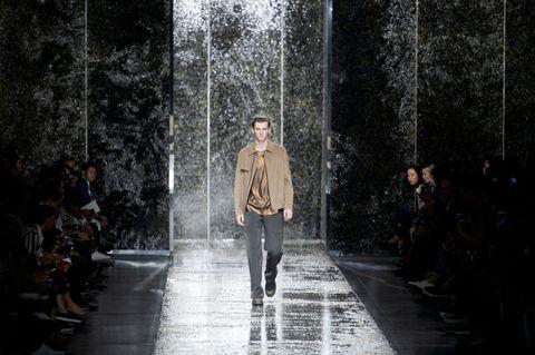 Winter, Water feature, Runway, Jacket, Street fashion, Fountain, Fashion show, Fashion model, Fashion design, Haute couture,