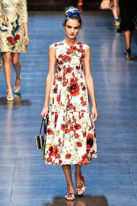 Clothing, Footwear, Leg, Dress, Shoulder, Fashion show, Human leg, Joint, Fashion model, Style,