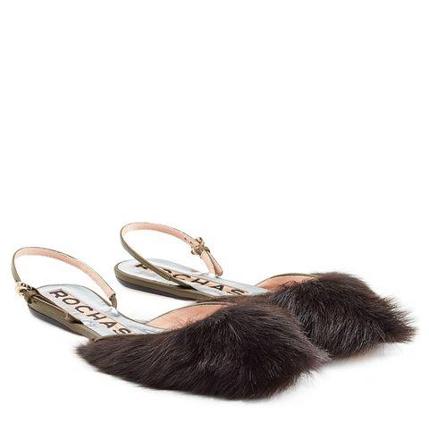 Fashion accessory, Natural material, Jewellery, Beige, Tan, Fur, Collar, Fashion design, Body jewelry, Pet supply,