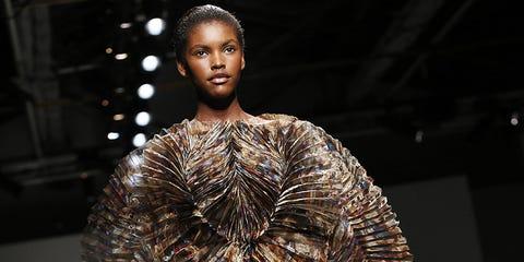 Fashion show, Fashion, Fashion model, Natural material, Fur, Costume design, Street fashion, Fashion design, Haute couture, Runway,