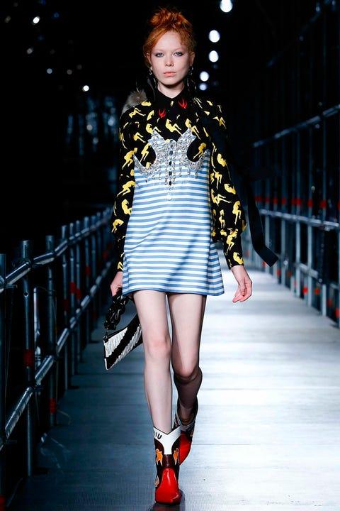 Clothing, Human leg, Shoulder, Fashion show, Fashion model, Style, Street fashion, Dress, Pattern, Knee,