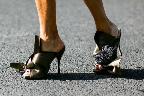 Leg, Brown, Human leg, Joint, Sandal, Toe, Foot, Tan, Fashion, High heels,