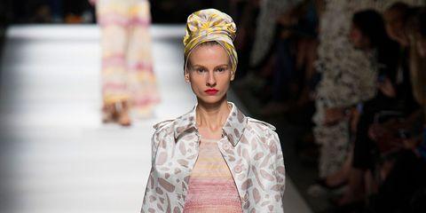 Sleeve, Fashion show, Runway, Style, Fashion model, Street fashion, Pattern, Fashion accessory, Headgear, Fashion,