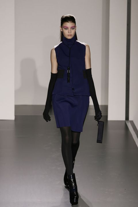 Clothing, Human leg, Shoulder, Joint, Style, Knee, Waist, Fashion model, Thigh, Fashion,
