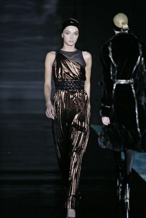 Human body, Dress, Style, Fashion model, Waist, Costume design, Fashion, Fashion show, Runway, Model,