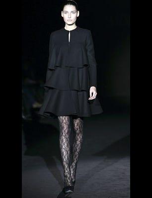 Sleeve, Shoulder, Collar, Joint, Style, Knee, Fashion, Neck, Fashion model, Black,