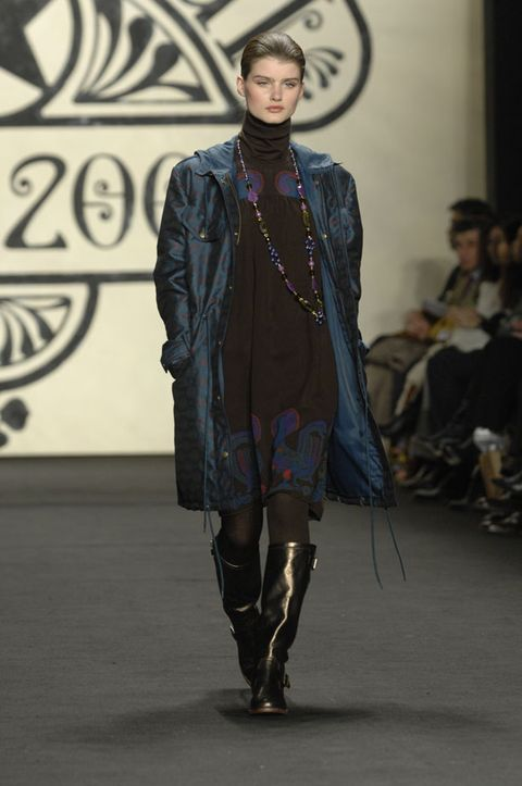 Fashion show, Outerwear, Runway, Style, Fashion model, Fashion, Jacket, Model, Street fashion, Fur,