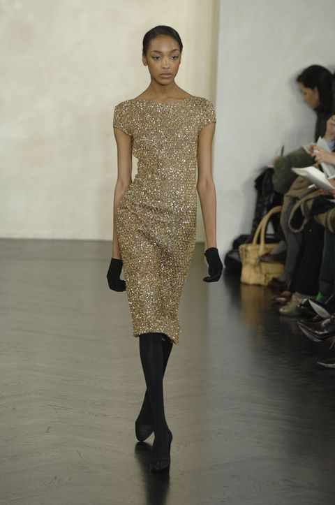 Leg, Human body, Shoulder, Joint, Fashion show, Runway, Style, Waist, Fashion model, Fashion,