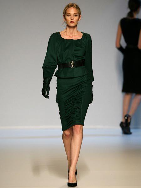 Clothing, Leg, Human leg, Human body, Dress, Shoulder, Fashion show, Joint, Waist, Standing,